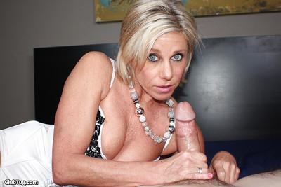 Mature gonzo actress in stockings does dirty things to rock-hard wang