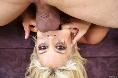 Milf slut Sarah Vandella is enjoying an amazing deepthroat from her man