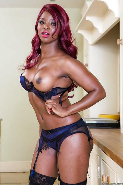 Posing action with a Ebony pornstar babe Jasmine Webb in stockings