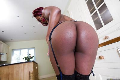 Posing action with a Ebony pornstar babe Jasmine Webb in stockings