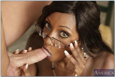 Milf African teacher Diamond Jackson lets cock pound her ebony cunt