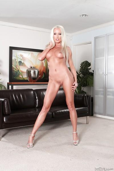 Blonde babe Jayden Lee demonstrates her awesome pornstar-like shape