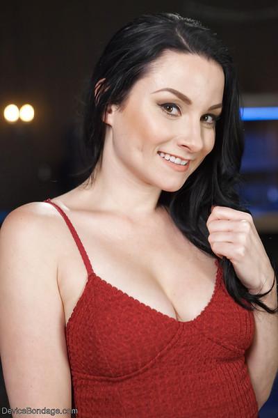 Brunette MILF Veruca James has her shaved cunt masturbated until orgasm