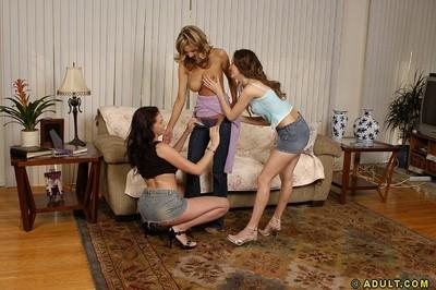 Big-tittied lesbians Amy, Gianna Michaels and Sarah do awesome show