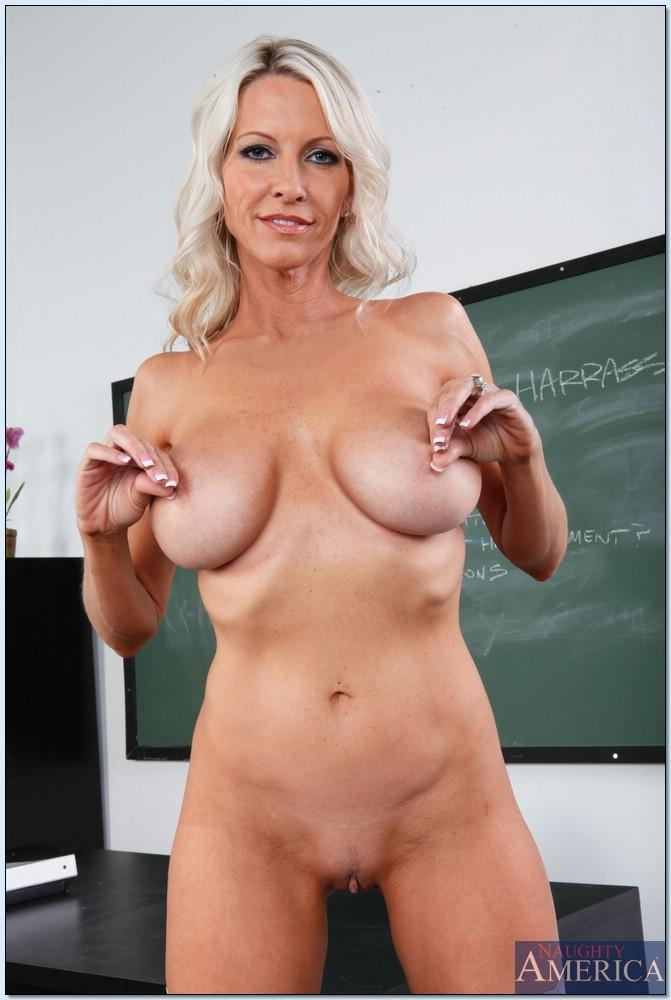Busty teacher sara jay want you to earn xtra credit Part 4