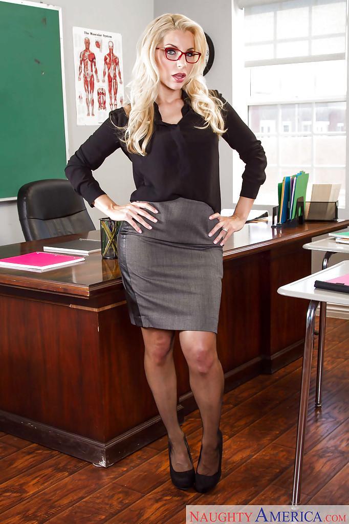 Порно с блондинкой учительницей 5