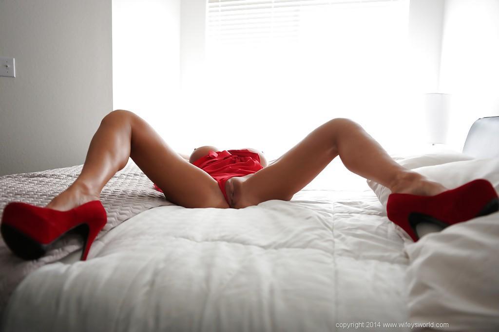 image Mature milf chelsea zinn gets her ass fucked