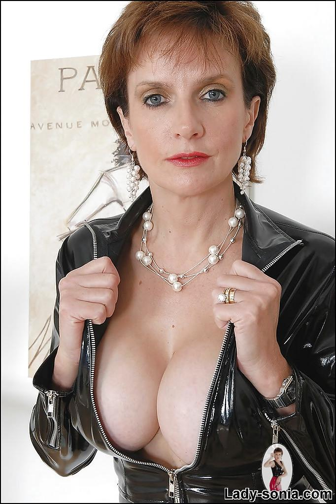 Sexy mature milfs in latex will