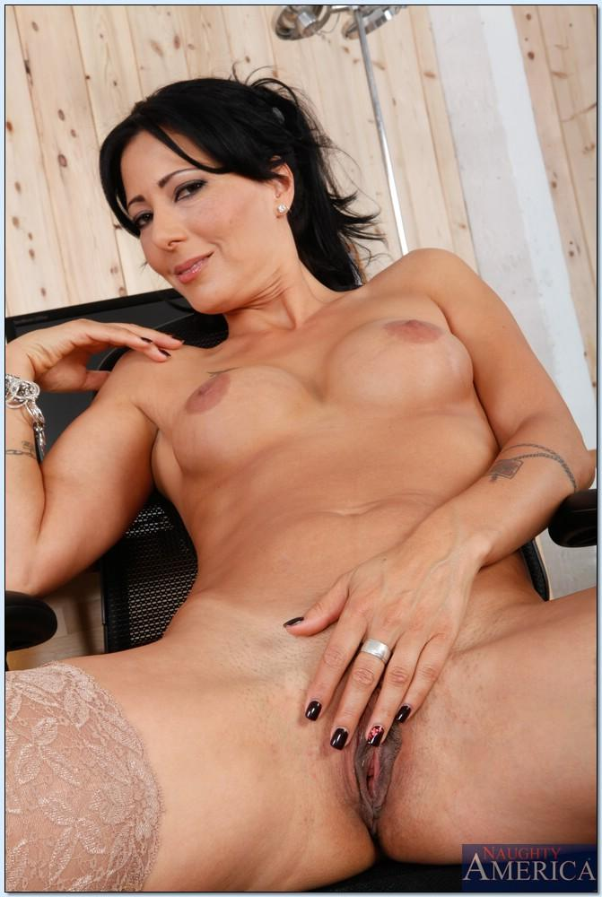Texas cougar deauxma strapon banged by milf lonestar angel
