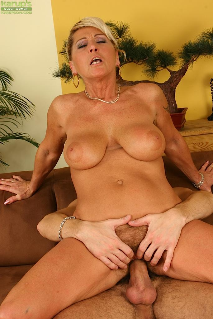 Apologise, Cougar pussy movies mature blond this rather
