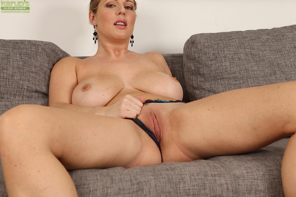 hottest sex scene girl nude