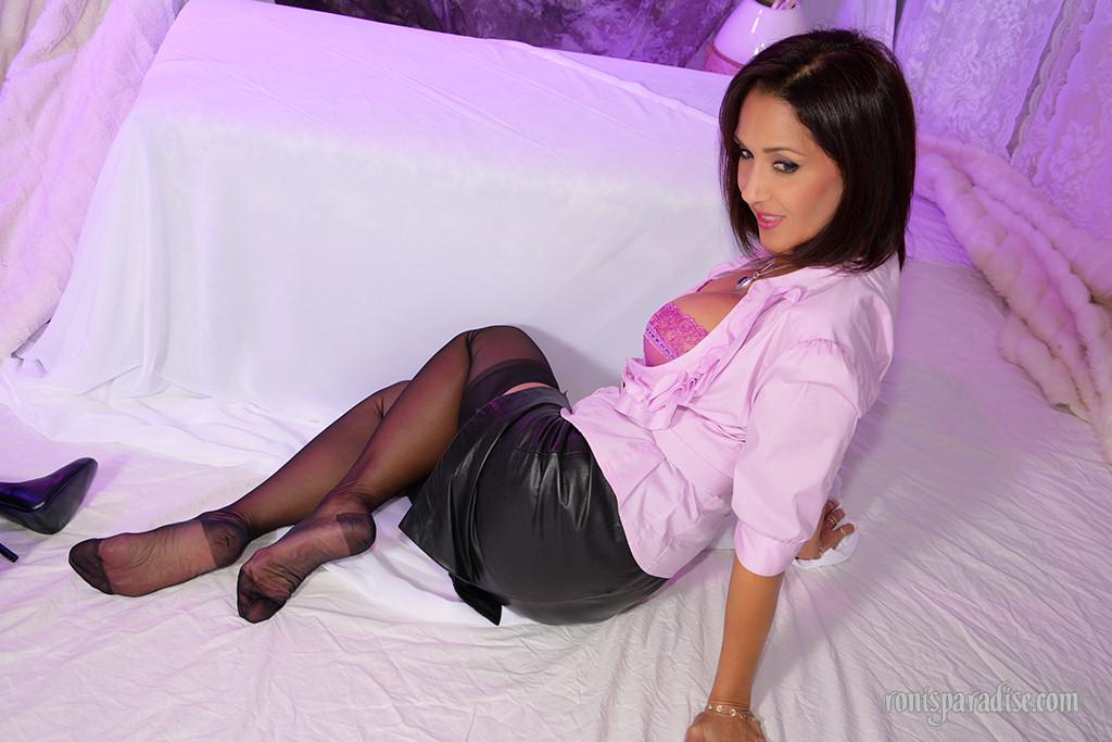 Roni pantyhose pictures