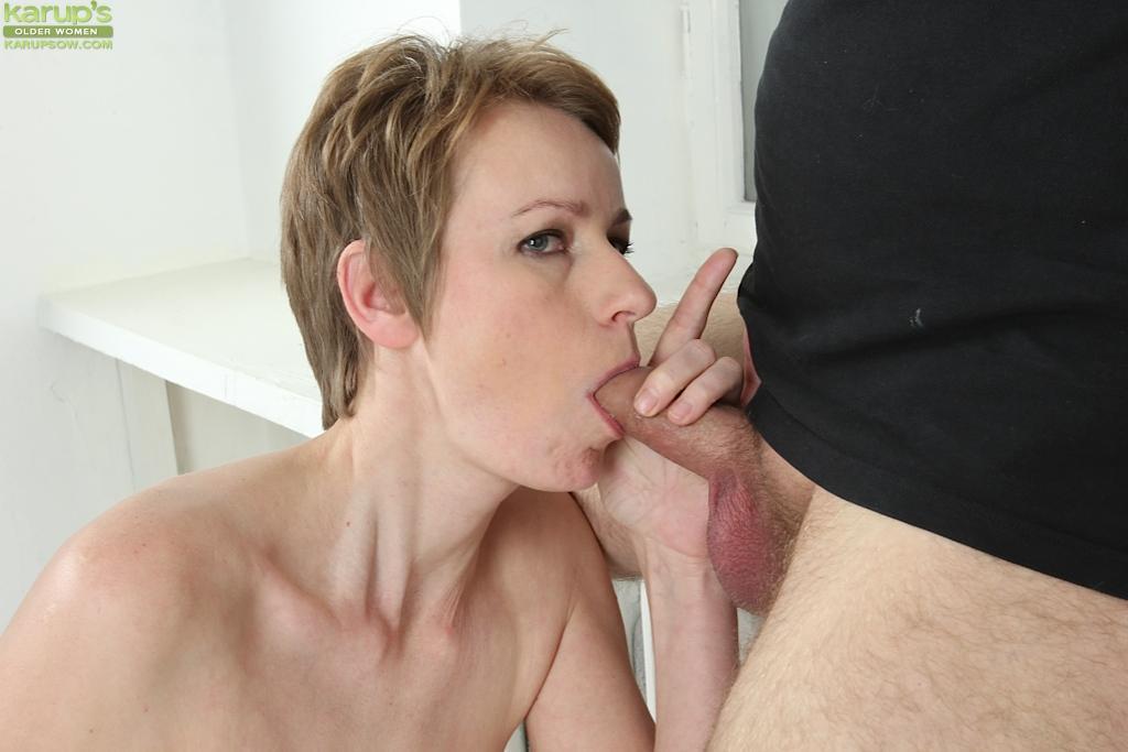 Short hair cum in mouth
