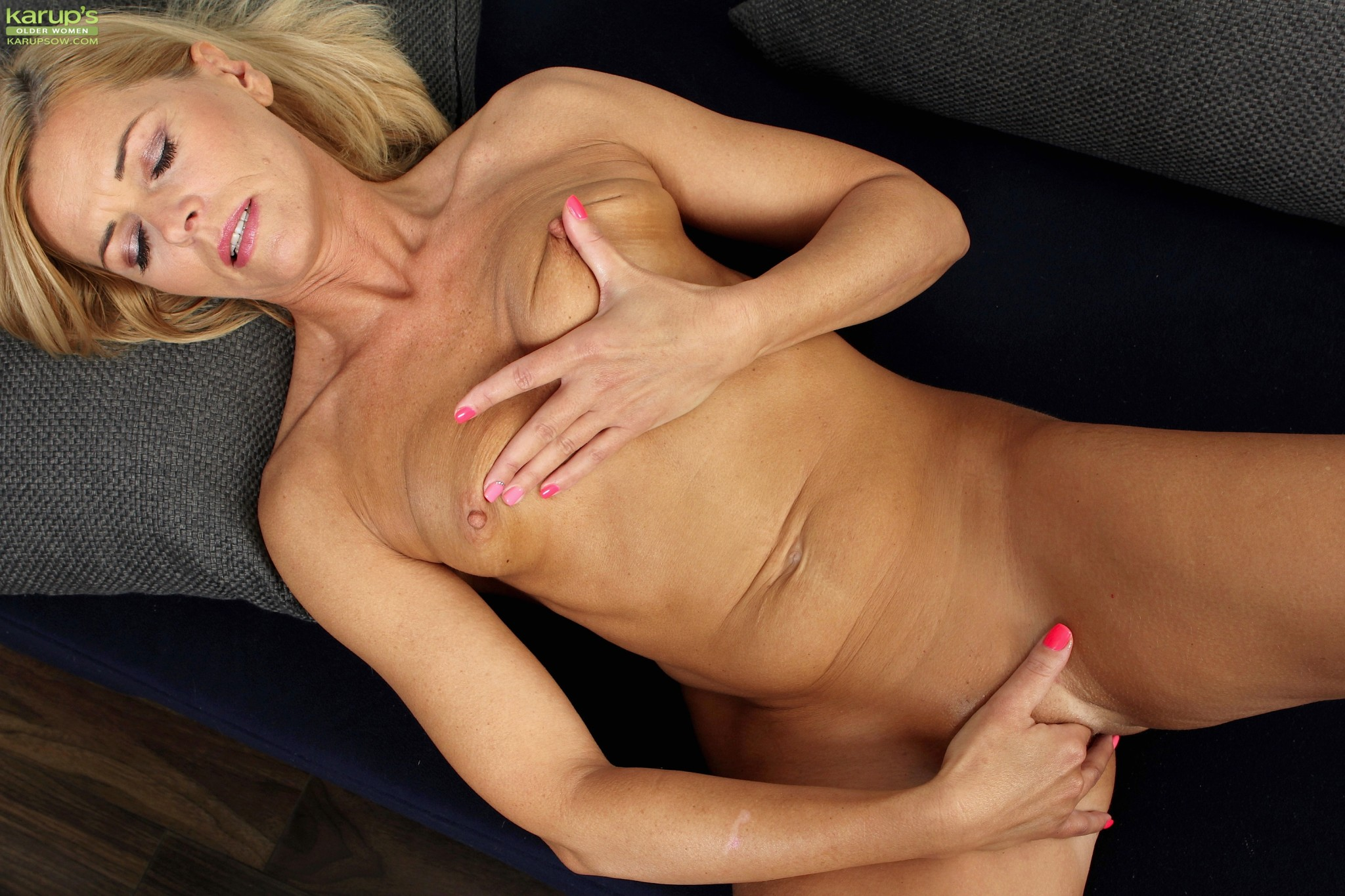Cougar pussy movies mature blond are not