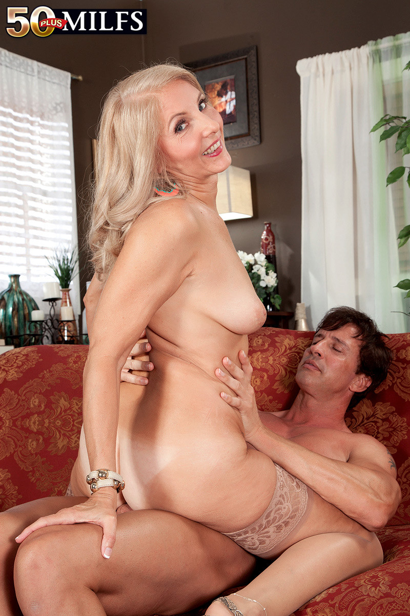 sex and nude milf