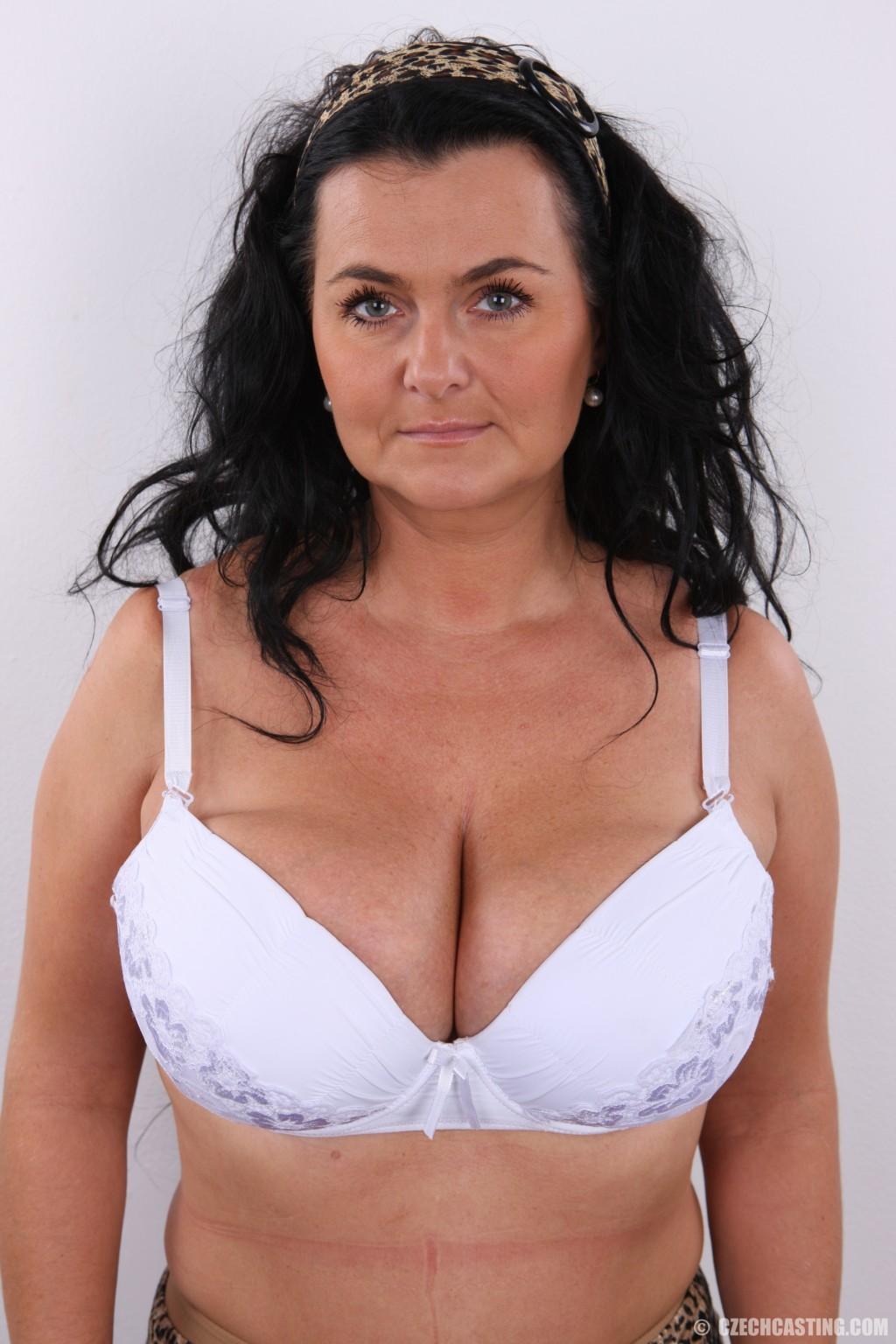 sexy girl strips webcam