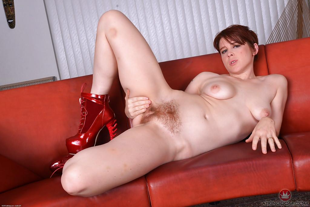 Curious Pussy spread high heels accept