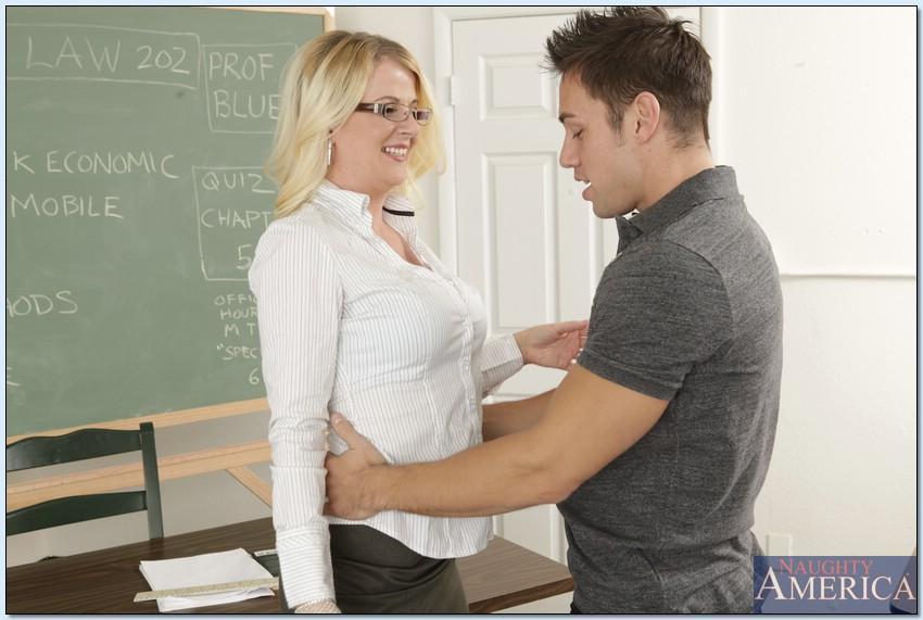 школьная учительница любит своего ученика и тайно встречается ними и ебутся загрузить 2