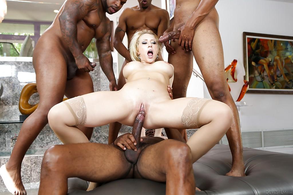 своей мамой смотреть порно видеоролики межрассовый секс винсент