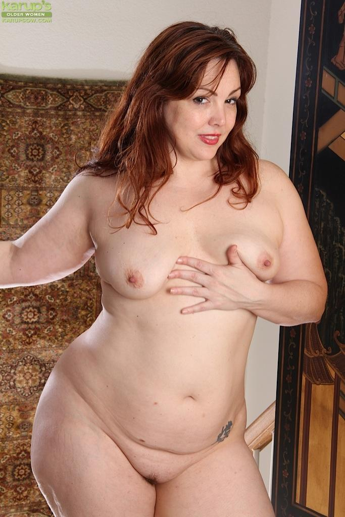 MILF fatty Ember Rayne spreading hairy pussy for masturbation - Cougar Porn Pics