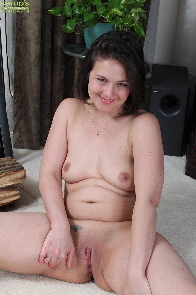 Tiny tits bald pussy milf spread