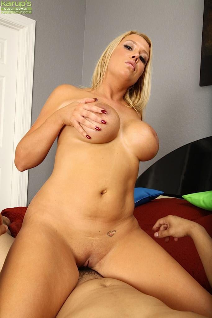 Blonde milf slut gets fucked