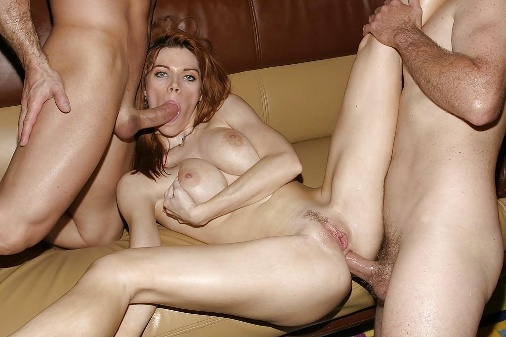 Milf enjoys double penetration