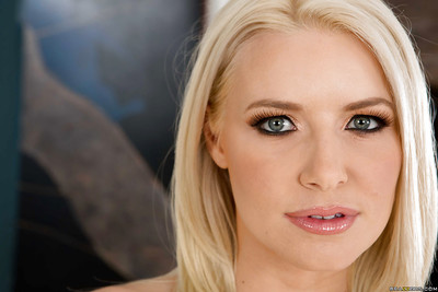 Fairy babe Anikka Albrite positions in her fantastic bikini and high heels