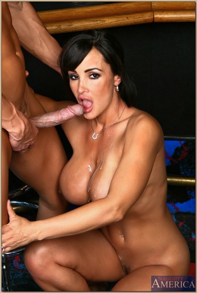 Fascinating MILF with shapely boobs and ass Lisa Ann astonishingly in the rod
