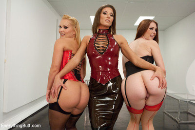 Girls veneration and explore their butts with fisting and strap-on!
