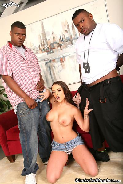 Liza del sierra gets dual penetrated by black boys