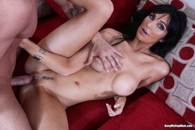 Tall milf diana prince gets drilled