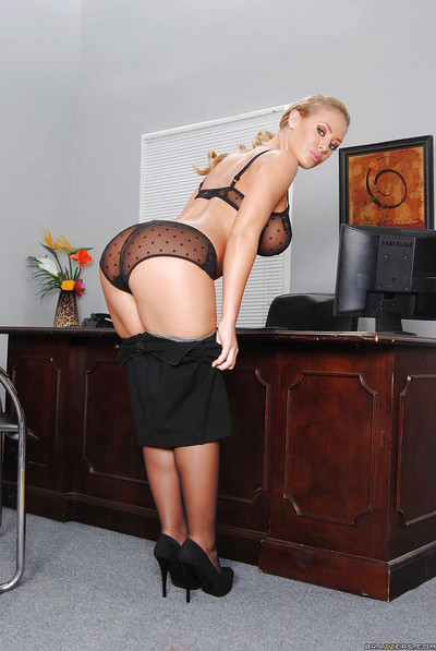 Delicate babe Nicole Aniston takes her clothes off to null but stockings & heels