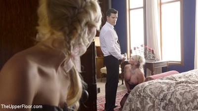 Innocent piper perri surprises her step-mother in the jiffy family mansion, onl