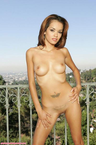 Daisy marie naked on the balcony