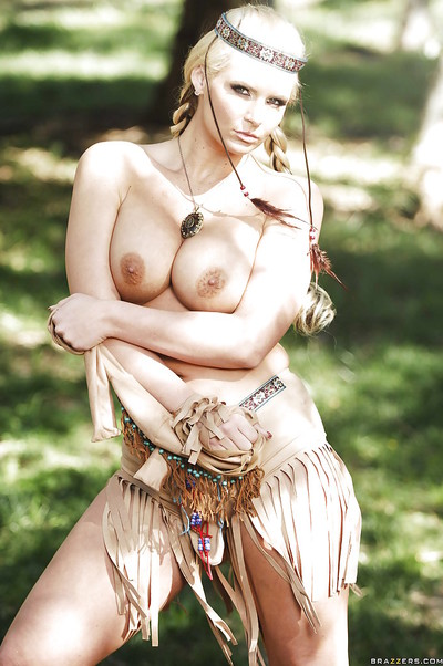 Big titted angel in indian dress stripping and posing outdoor