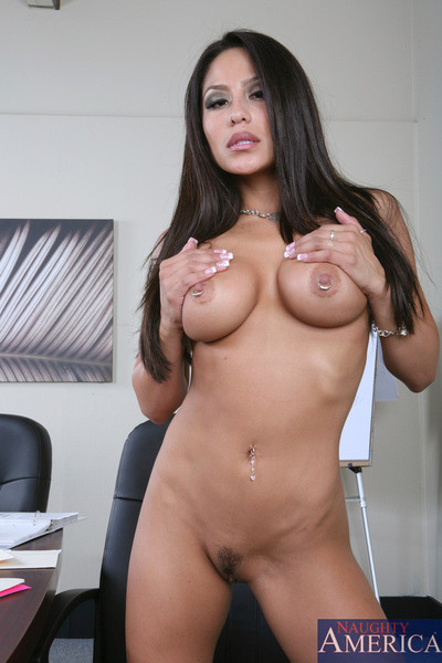 Jenaveve jolie entertains a large thick shlong having guy