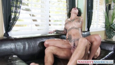 Tattooed darling bonnie rotten has getting pleasure with her neighbors cock