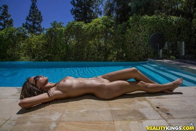 Palatable love-cage eating female-on-female 69 with malena morgan