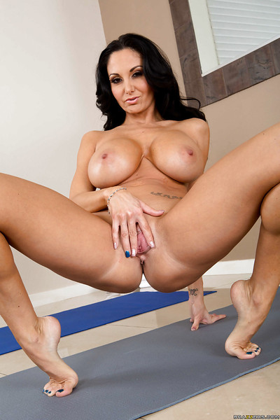 Dirty milf queen Ava Addams is spreading her magical canal