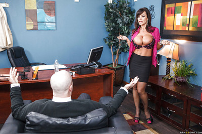 Hawt Lisa Ann gets shagged and takes a cumshot on her spectacular tits