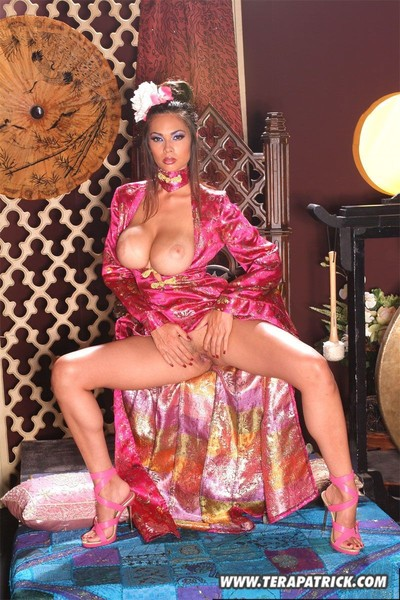 Asian babe tera patrick gets out her massive apples