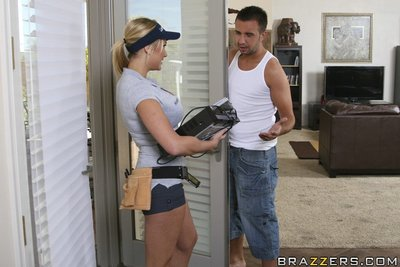 Sexy cable girl with mammoth milk cans Alanah Rae seduced by her customer