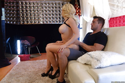 Perspired blonde kagney linn karter showing off the phattest butt ever