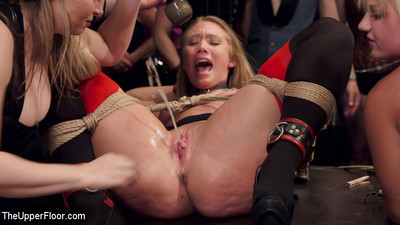 Slaves aj applegate & carter try to please the governess and passionate female guests