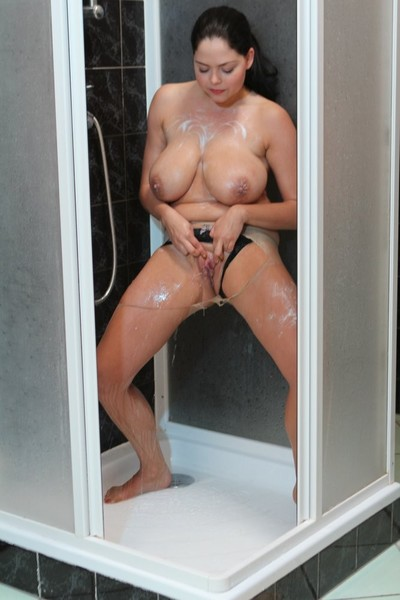 Large mangos dark hair ripped her nude tube in the shower