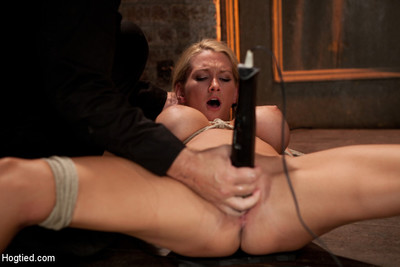 Beautiful blond bombshell w/massive tits, is skull penetrated good. stretch  made to