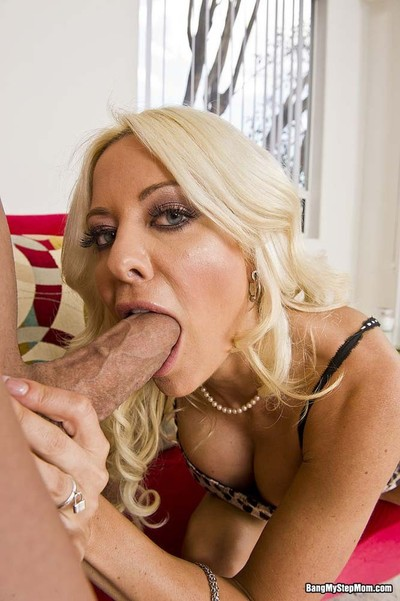 Titsy moist stepmom helly mae orally fixating her stepsons giant dong