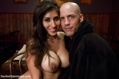 In this erotic roleplay, the very beautiful and busty alexis breeze thinks that babe c