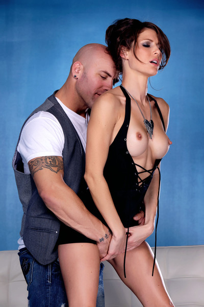 Tattooed wench jenni lee getting a drenched load on her chin